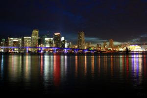 A306,_Skyline_at_twilight,_Miami,_Florida,_USA,_2010